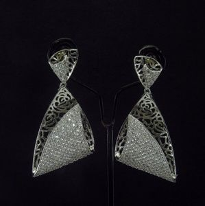 Pure cubic zirconium jewellery ( American diamonds